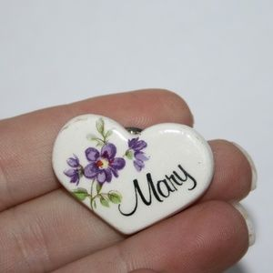 Beautiful MARY vintage flower brooch / pin